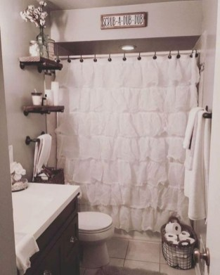 Awesome Bathroom Makeover Ideas On A Budget 33