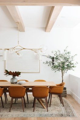 Modern Mid Century Dining Room Table Decor Ideas 33