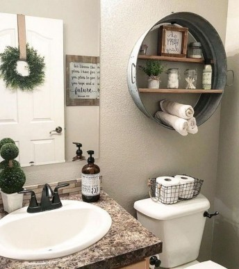 Wonderful Farmhouse Bathroom Decor Ideas 16