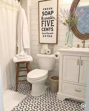 Wonderful Farmhouse Bathroom Decor Ideas 26