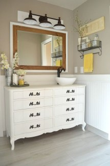 Elegant Farmhouse Bathroom Wall Color Ideas 13