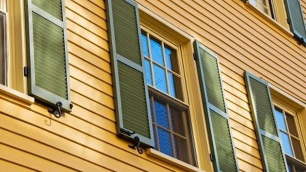 Flawless Exterior House Paint Ideas With Yellow Colors 20
