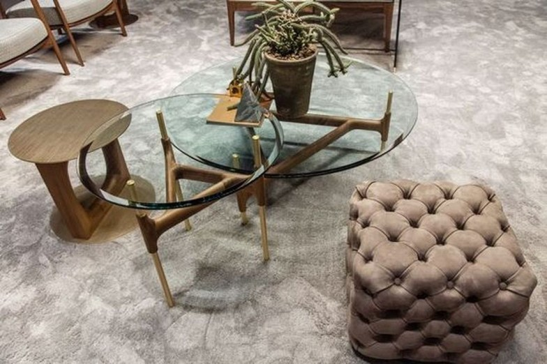 Marvelous Glass Coffee Tables Ideas For Living Room 26