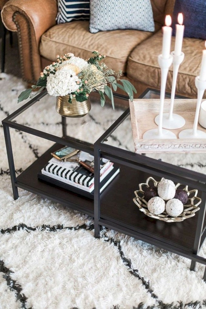 Marvelous Glass Coffee Tables Ideas For Living Room 51