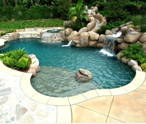 Amazing Natural Small Pools Design Ideas For Backyard 02