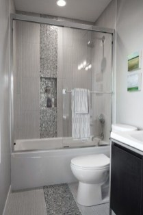 Gorgeous Small Bathroom Remodel Ideas On A Budget 02