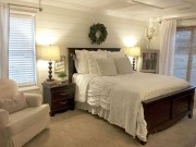 Best Master Farmhouse Bedroom Ideas 48