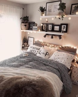 Popular Lighting Design Ideas For Bedroom Looks Beautiful 32