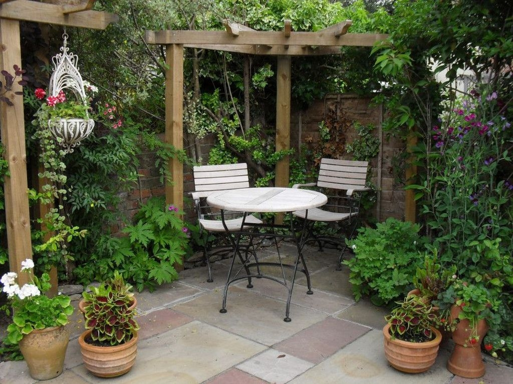 Pretty Garden Design Ideas For Home 33