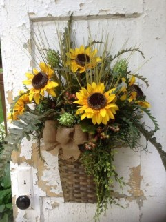 Beautiful Summer Wreath Design Ideas To Try Asap 04