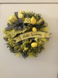 Beautiful Summer Wreath Design Ideas To Try Asap 21