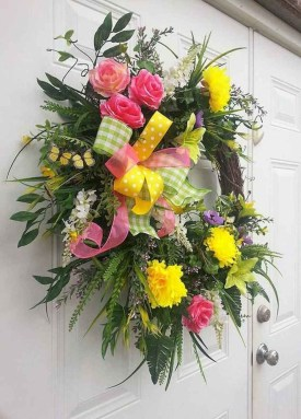 Beautiful Summer Wreath Design Ideas To Try Asap 27