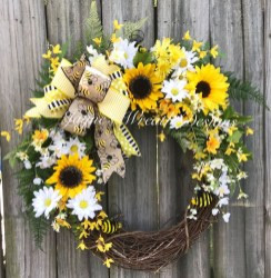 Beautiful Summer Wreath Design Ideas To Try Asap 40