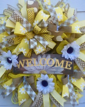 Beautiful Summer Wreath Design Ideas To Try Asap 41