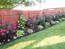 Charming Privacy Fence Ideas For Gardens 52