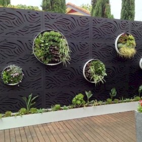 Cool Garden Fence Decoration Ideas To Try This Year 03