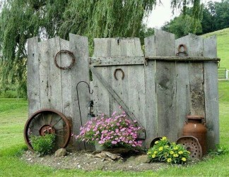 Cool Garden Fence Decoration Ideas To Try This Year 21