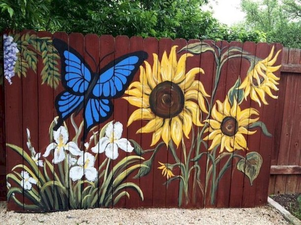 Cool Garden Fence Decoration Ideas To Try This Year 25