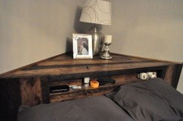 Fancy Diy Ideas To Make Bed Place From Pallet Project 38