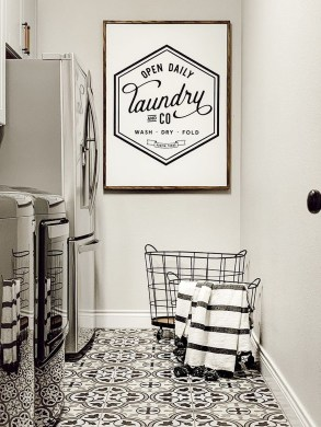 Fascinating Small Laundry Room Design Ideas 43
