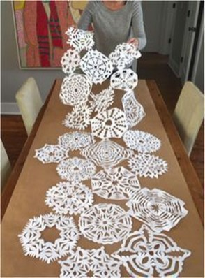 Hottest Christmas Table Decorating Ideas For You 53
