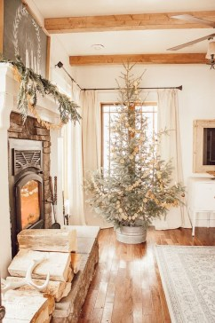 Newest Christmas Decorating Ideas That Will Spark Your Creativity 27