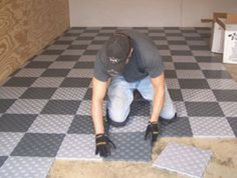 Pretty Garage Floor Design Ideas That You Can Try In Your Home 20