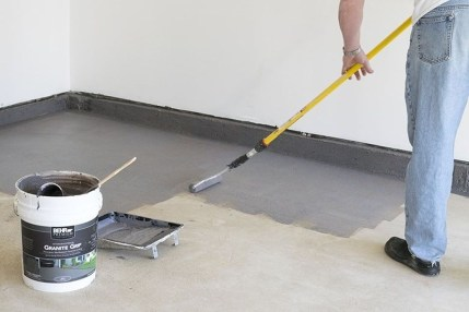 Pretty Garage Floor Design Ideas That You Can Try In Your Home 36