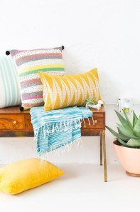 Stylish Colorful Apartment Decor Ideas For Summer 34