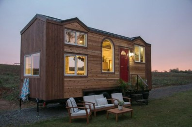 Elegant Minimalist Design Ideas For Tiny Home Decor 39