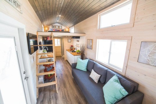 Elegant Minimalist Design Ideas For Tiny Home Decor 50