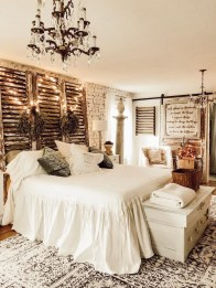 Enchanting Farmhouse Bedroom Ideas For Your House Design 14