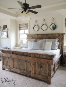 Enchanting Farmhouse Bedroom Ideas For Your House Design 31