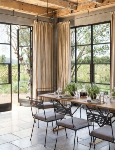 Relaxing Farmhouse Dining Room Design Ideas To Try 36