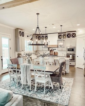 Relaxing Farmhouse Dining Room Design Ideas To Try 41