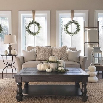 Superb Warm Family Room Design Ideas For This Winter 47