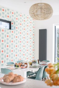 Awesome Retro Wallpaper Decor Ideas To Try 01