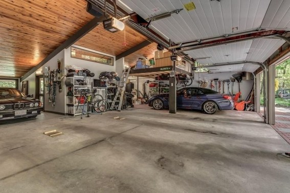 Graceful Car Garage Design Ideas For Your Home 42