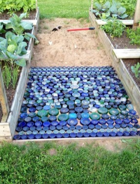 Stunning Solar Garden Decoration Ideas To Try 31