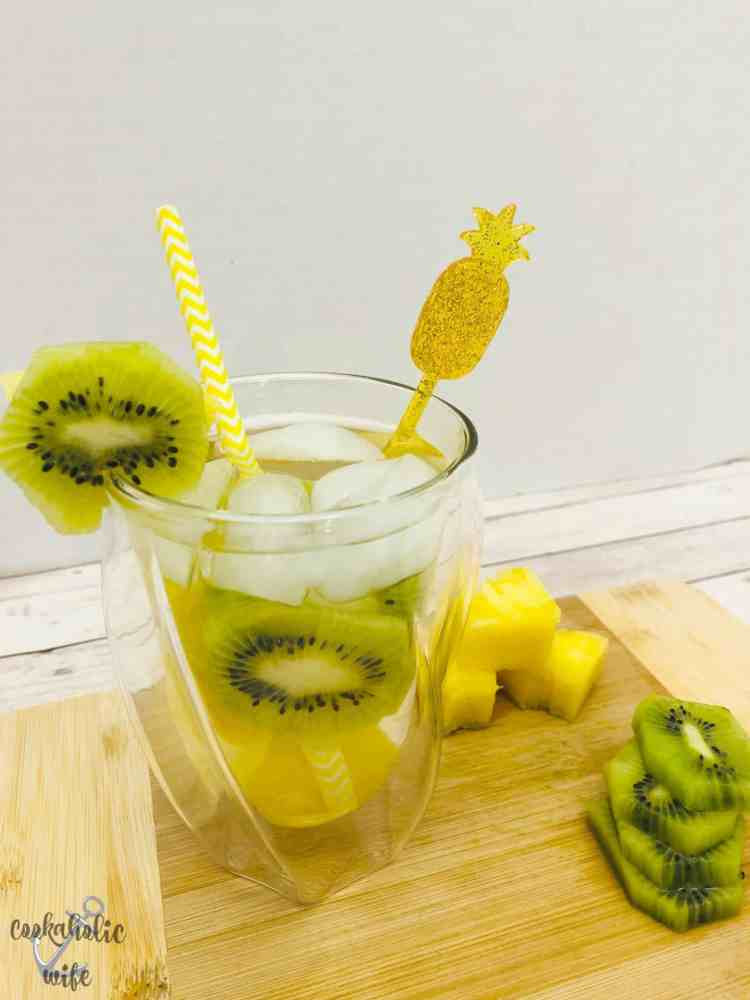 kiwi pineapple dream cocktail