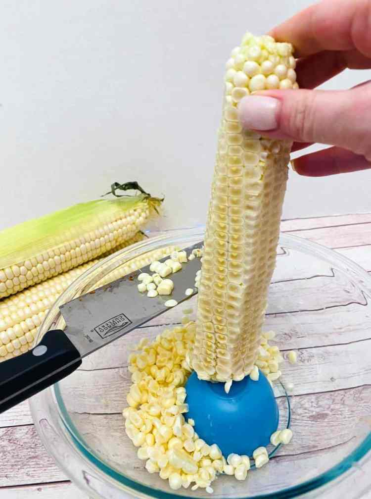 removing corn from cob