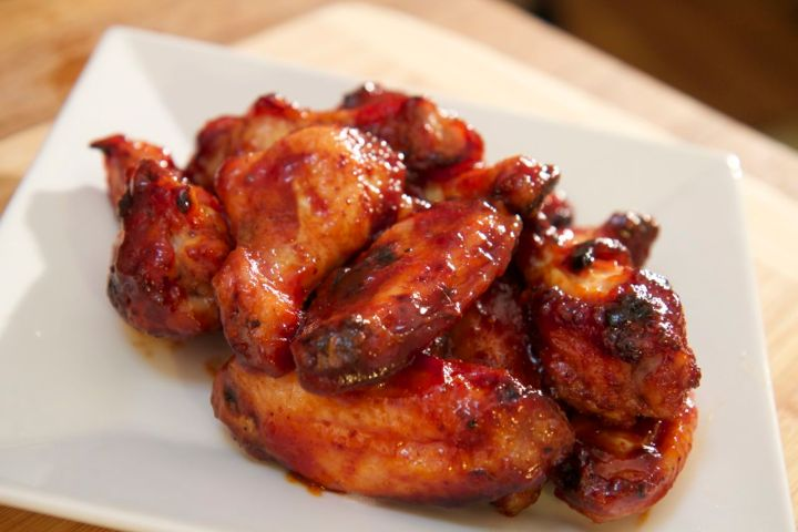 Finger licking good sauce, this honey BBQ wings recipe is as tasty as it is messy