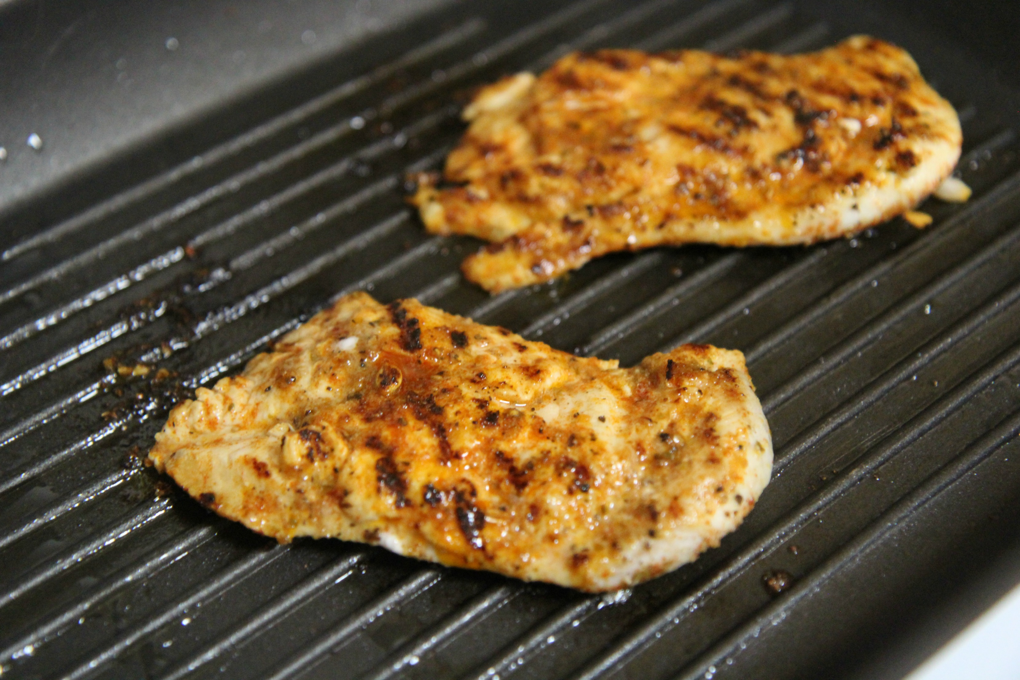 The grilled chicken is seasoned with some tex-mex spices and a squirt of lime juice.