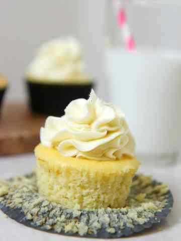keto low carb vanilla cupcakes