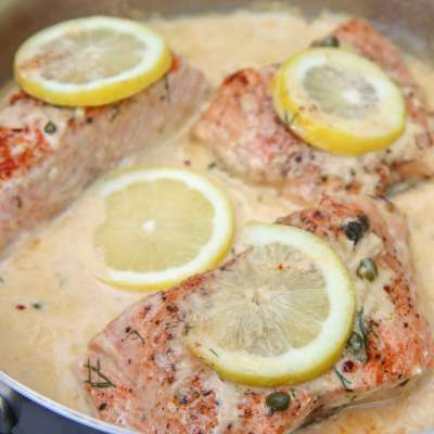 pan seared salom with a creamy lemon sauce