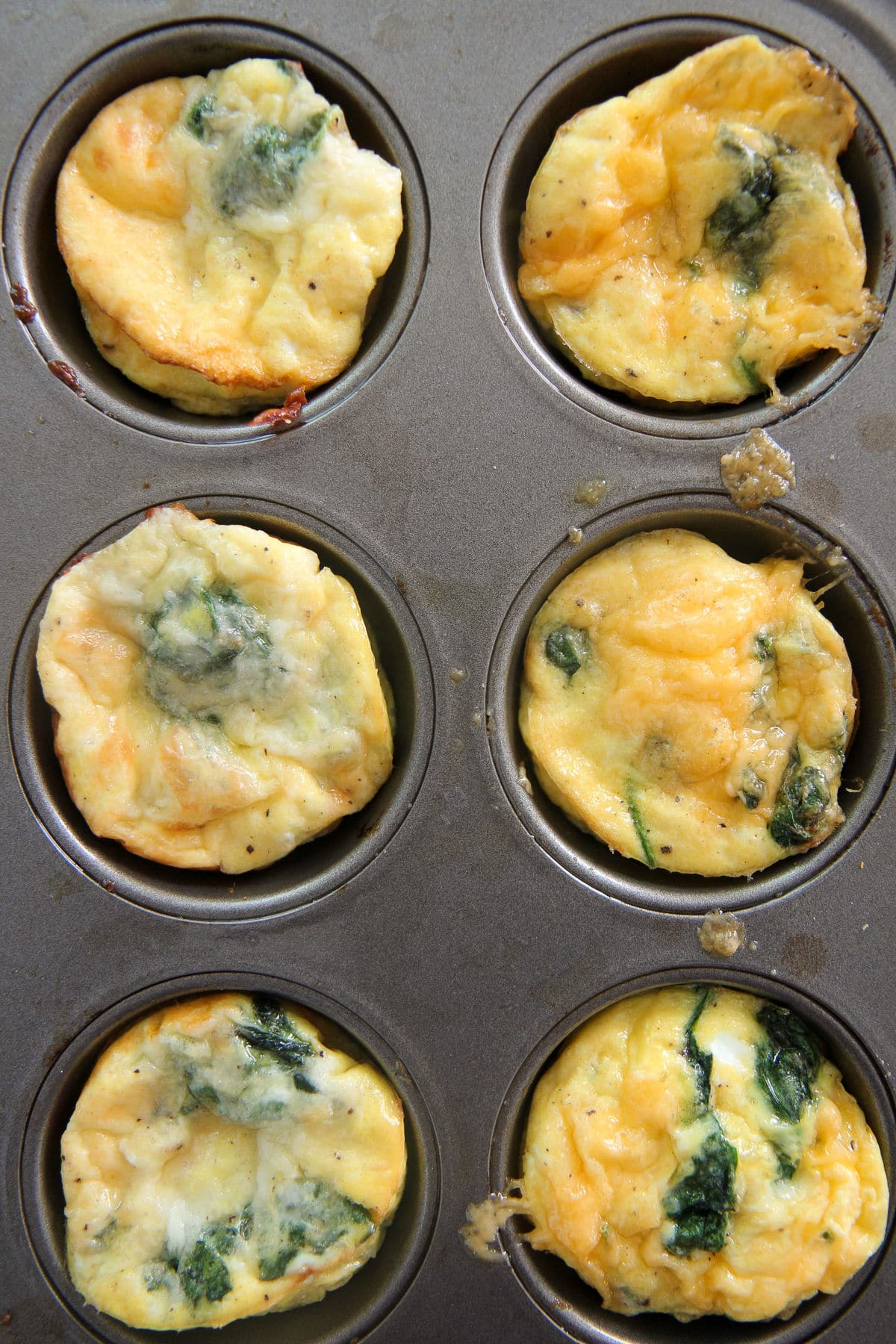 6 egg muffins in a muffin tin
