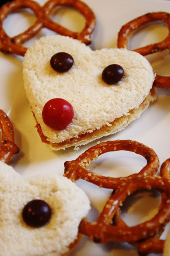 11 Fun Ideas For Christmas Cooking With Kids Cooker And A Looker