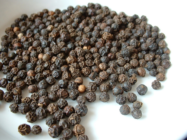 Peppercorns - cracked pepper