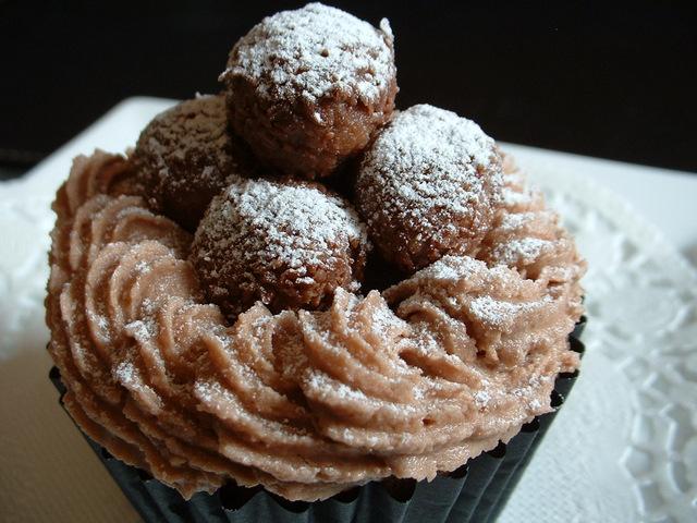 Chocolate truffle cupcakes