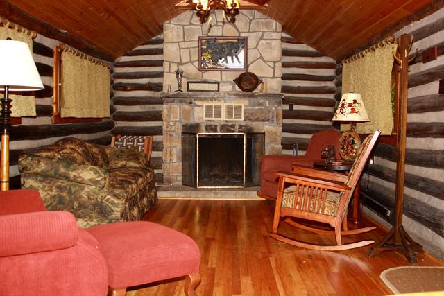 Cook Forest Cottages  Cozy Log Cabin